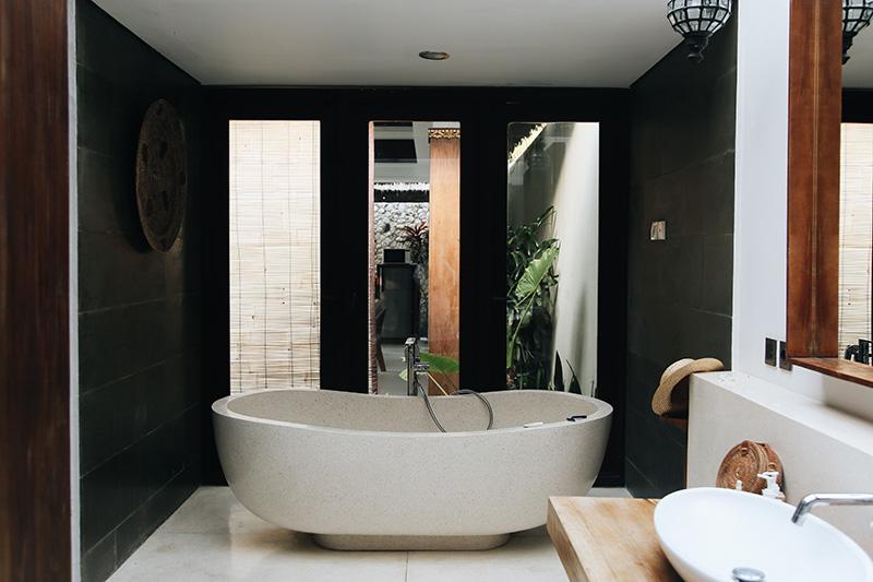 dom z łazienką