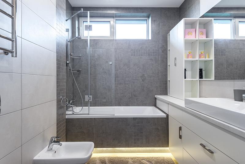 klasyczne kafle łazienkowe