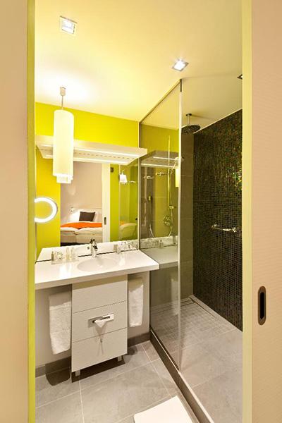 zielona łazienka aranżacja