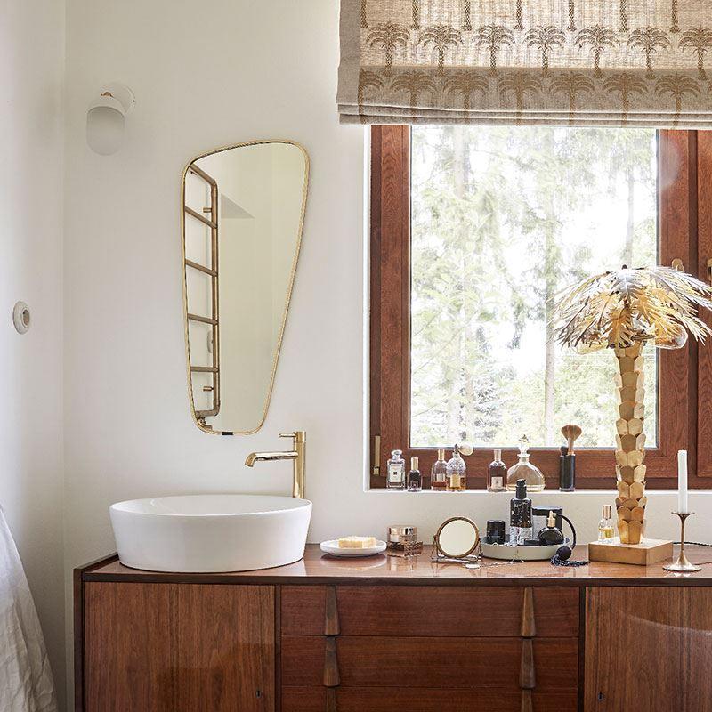 Jak zaaranżować złotą łazienkę?