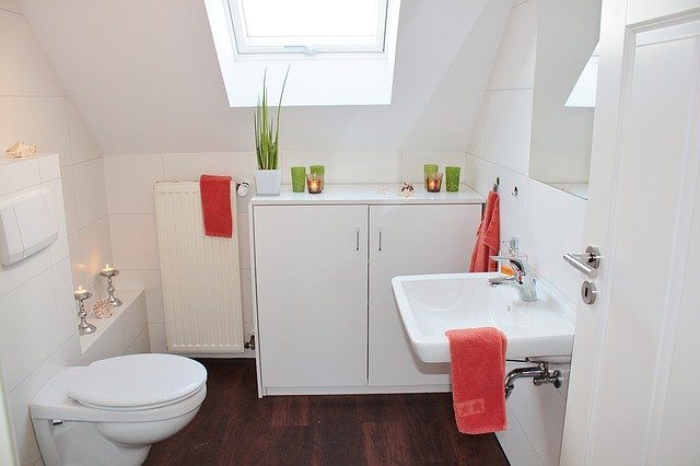 Łazienka plus toaleta –w jednym stylu?