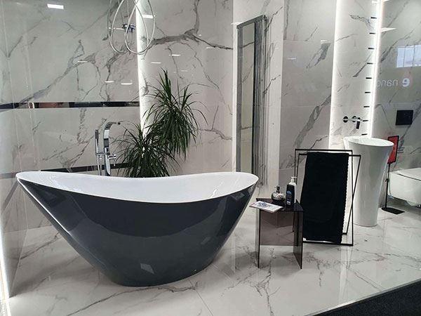 Minimalistyczna łazienka w czarnych kolorach!